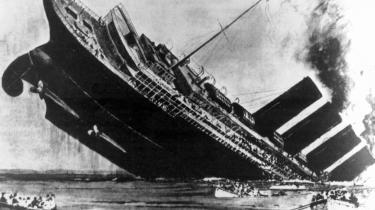Passagerskibet RMS Lusitania blev sænket af en tysk torpedo den 7. maj 1915.