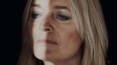 Anne Linnets stemme er blevet så afklaret og klog, at den har svært ved at finde plads til smerte og tvivl. Og mens hun fortsat kan komponere en god melodi, kæmper hun med abstrakte floskeltekster og kedsommelige produktioner