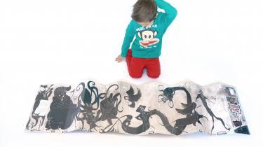 Mia Mottelsons bog 'Frygtelig frygt' opmuntrer til fysisk interaktion, og børnene integrerer den i deres egen leg.