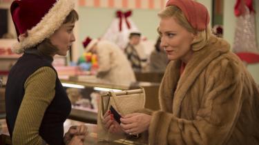 'Carol' med Cate Blanchett der lever i et trist ægteskab og så indleder et lesbisk forhold i 1950'ernes New York til en yngre pige spillet af Rooney Mara.