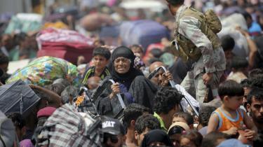 Tusindvis af beboere fra Ramadi har været  på flugt fra IS, siden militsen indtog byen i weekenden. En del var i går nået frem til udkanten af hovedstaden Bagdad.