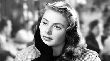 Ingrid Bergman var en af de største filmstjerner og årets covergirl på Cannes-festivalens plakater. Engang var hun i København og mødte i dette lille erindringstykke en helt ung Niels Barfoed