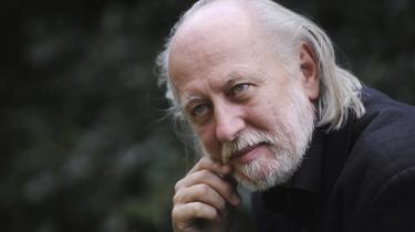 László Krasznahorkai (f. 1954) har skrevet både noveller, essays og romaner. Nu kommer hans hovedværk på dansk