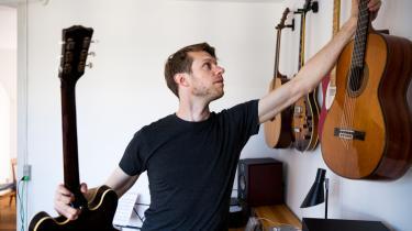 Det tager musikforsker Mikkel Ploug omtrent 25 timer at transskribere et enkelt minuts tale.