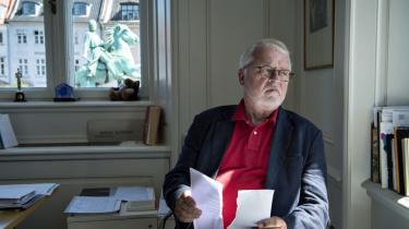 Topadvokaten Johan Schlüter har i årevis kæmpet for at beskytte kunstneres rettigheder mod piratkopiering. Nu er firmaet anmeldt for at have hævet 100 mio. kr. i betroede midler. Johan Schlüter Advokatfirma oplyser, at de har bortvist og politianmeldt en kvindelig partner.