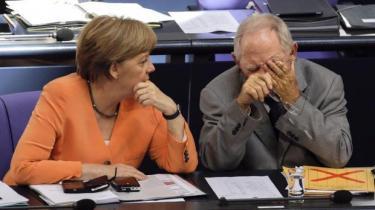 Lækkede hemmeligstemplede NSA-efterretninger viser stor uenighed mellem Tyskland og Frankrig om, hvordan krisen i Grækenland bør håndteres. Selv ikke tilbage i 2011 mente den tyske kansler tilsyneladende, at Grækenlands gældsproblemer kunne løses