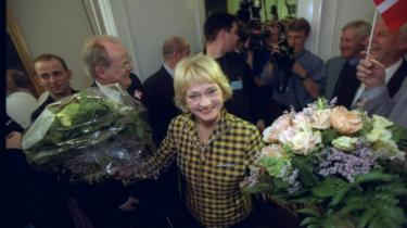 Information fulgte Dansk Folkepartis Pia Kjærsgaard en lang Skt. Hans aften, der også kom til at handle om social indignation, Nørrebros grønthandlere, EU's håndlangere, visioner, træthed - og dumme sager