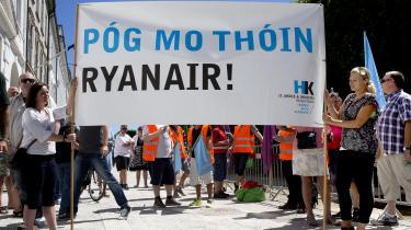 Fagbevægelsen var mødt talstærkt op i sommervarmen, da Arbejdsretten i København i sidste uge nåede frem til, at Flyvebranchens Personale Union lovligt kan indlede konflikt mod det irske lavprisflyselskab Ryanair