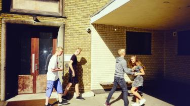 9.b på Ålholm Skole i Valby har nu gået i skole et år med folkeskolereformen. De er stadig ret vilde med at holde frikvarter. Fotos: Thomas Nielsen/100HEADS