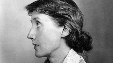 Virginia Woolfs prosa hører til de smukkeste tekstlandskaber i verden. Det mærkes også i hendes noveller, der nu udgives for første gang på dansk. Det er stort