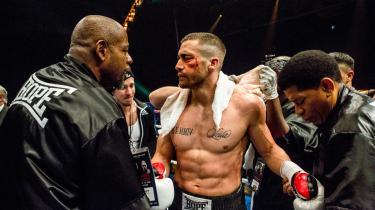 En supertrænet Jake Gyllenhaal i filmen 'Southpaw'. Den store match på Caesar's Palace i Las Vegas, som kan vende op og ned på bokseren Billy Hopes liv. Han vinder faktisk.