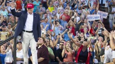 Stik imod alle odds ligger en excentrisk milliardærkandidat klart i spidsen i den republikanske primærvalgkamp – måske fordi Trump oven i alle sine nederdrægtigheder og urimeligheder også kan sige sandheder, som ingen andre kan