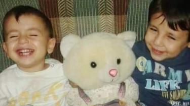 Treårige Aylan var i går på alverdens avisforsider. Han og familien var flygtet fra Syrien og var på vej mod Grækenland, men Aylan, hans bror og deres mor nåede aldrig frem