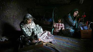20 år efter det FN-topmøde, som satte fokus på kvinders rettigheder, er der kun ske få fremskridt. Abortrettigheder er stadig sparsomt udbredt, vold mod kvinder – herunder voldtægt som krigsvåben – er udbredt og økonomisk ligestilling er stadig en fjern drøm.
