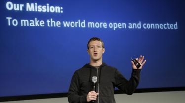 Facebook har sagt ja til at være med til at opbygge encounter-speech-metode, hvor eksperter kan svare brugerne bag racistiske kommentarer. På billedet Facebooks grundlægger, Mark Zuckerberg.