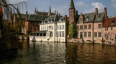 Ved første øjekast er der noget musealt over Brugge, men under den romantiske kanalfacade bobler en kulinarisk iværksætterånd.