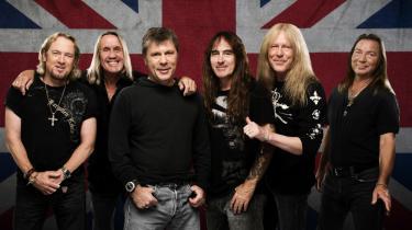 På det nye album 'The Book of Souls' har det legendariske heavy metal-band Iron Maiden sat alle sejl til for ikke blot at generobre den episke metaltrone, men også overgå bandets egne hidtidige grandiose bestræbelser. Pressefoto