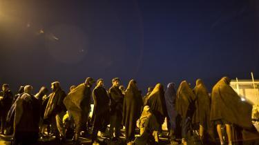 De omkring 500.000 migranter, der er ankommet i løbet af 2015, har skabt kaotiske scener overalt i Europa samt irritation og bitterhed EU-landene imellem.