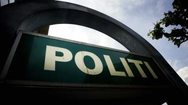 Østjyllands Politi frihedsberøvede 15 personer administrativt efter uro i sommeren 2013, heraf mindst to ulovligt. I modsætning til i Tibet-sagen er al radiokommunikation slettet