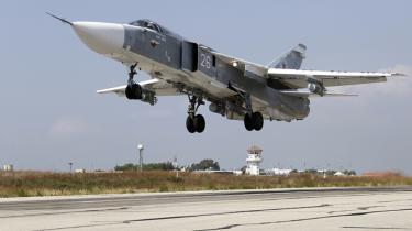 Stort set ingen af de russiske luftangreb i Syrien været rettet mod Islamisk Stat, siger Khaled Barakat, der er tidligere topgeneral i Assads hær, og som nu er aktiv i Den Frie Syriske Hær.