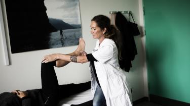 Det er 'uacceptabelt', at patienter med kroniske smerter, der bruger cannabis til smertelindring, er overladt til at kriminalisere sig selv. Det mener overlæge Tina Horsted.