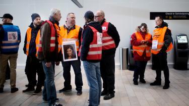 Den danske fagbevægelse stod sammen om at boykotte det irske flyselskab Ryanairs rystende dårlige ansættelsesvilkår. Her bliver det første Ryanair-fly til København mødt med protestaktion. Og selskabet endte med at flytte sin base til Lithauen i juli i år.