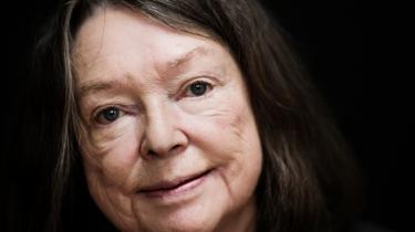 Dorrit Willumsen      Født 1940. Forfatter og aktuel med romanen 'Nær og fjern'.      Hendes prisbelønnede forfatterskab består af mere end 20 romaner, digt- og novellesamlinger, skuespil og erindringer