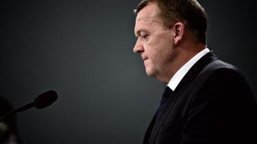 Statsminister Lars Løkke Rasmussen varslede i går en ny pakke med fire asylstramninger, der skal bremse tilstrømningen til Danmark. I morgen fredag skal partilederne mødes om pakken.