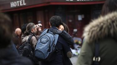Terroristernes symbolsprog var umisforståeligt: Et nationalstadion, amerikansk dødsmetal og fransk livsnydelse på parisiske restauranter, de fleste kender.