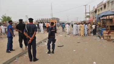 Onsdag dræbte to af Boko Harams selvmordsbomber mindst 15 mennesker og sårede 53 ved dette mobiltelefonmarked i Kano, Nigeria.