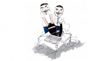 Hacktivister i Anonymous er efter terrorangrebet i Paris gået i krig mod Islamisk Stat, og de ellers ofte kritiserede hackeres krigserklæring bliver nu viderebragt begejstret af både danske og internationale medier. Men både samarbejde med myndigheder og rollen som mediedarlings har ført til konflikter i bevægelsen
