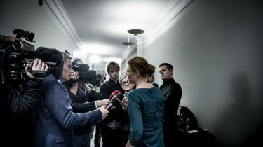 Inger Støjberg vil have Rigspolitiet til at bruge frihedsberøvelse som motiverende faktor for at få afviste asylansøgere til at medvirke til udsendelse. Men hendes lovforslag, som blev hastet gennem Folketinget i november, nævnte ikke med et ord, at Rigspolitiet gentagne gange havde meldt ud, at administrativ frihedsberøvelse ikke har nogen motiverende effekt.