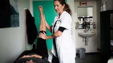 Dagens kronikør beklager den manglende forskning i cannabis som medicin. Information har tidligere skrevet om overlæge Tina Horsted, der gerne vil teste forskellige former for cannabisbehandling til patienter med kroniske smerter. Sundhedsstyrelsen har dog spændt ben for forsøget.   Arkiv