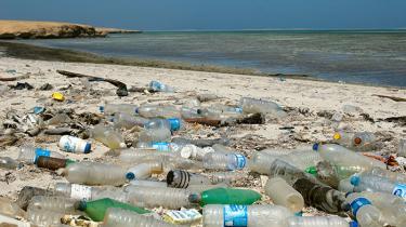 Plastik blev en succes, fordi det er foranderligt og billigt. Men nu er det tid til handling for en industri, der stadig befinder sig i stenalderen, når det gælder grøn innovation