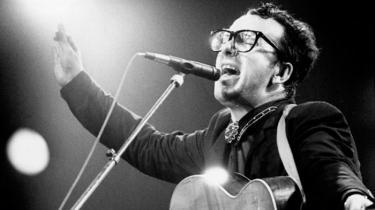 Vor anmelder spinder en ende over selvbiografien i anledning af, at Elvis Costello har skrevet sine omfangsrige erindringer. I øvrigt ud fra et selektivt princip: Han taler stort set ikke dårligt om nogen, men til gengæld længe og kærligt om alle dem, han elsker og respekterer