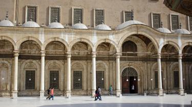 Den næsten affolkede plads foran Muhammed Ali-moskeen vidner om, at mange vestlige turister fravælger Egypten som feriedestination.