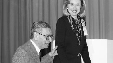 Daværende FN-generalsektretær Boutros Boutros-Ghali med daværende præsidentfrue Hillary Clinton i 1990'erne. Boutros-Ghali døde i går og blev 93 år gammel.