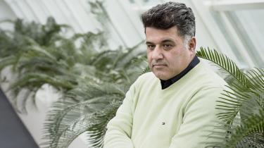 Mohammad Rahimian sendte mellem 150 og 200 ansøgninger, da han blev færdig med ingeniørstudiet. Mens hans studiekammerater fik job, fik han afslag. Fagforeningen anbefalede Mohamad Rahimian at skifte navn, men det ville han ikke, 'for hvad så med mit udseende?'