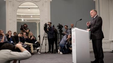 I går – som under formandsopgøret i 2014 – har Lars Løkke Rasmussens taktik været at gå helt ud til afgrunden og se ned i dybet. Og at tage sin modstander med derud.