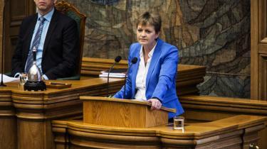 Trods manglende tillid til Eva Kjer Hansen stemte Folketinget torsdagfor gødningsloven med blandt andet konservative stemmer.