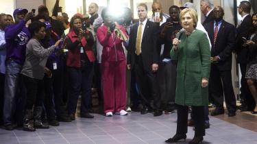 Hillary Clinton står stærkt blandt de sorte vælgere i sydstaterne og er storfavorit til at vinde demokraternes primærvalg i South Carolina.