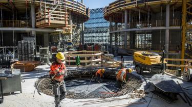 Arbejderbevægelsens Erhvervsråd mener, at det er den danske flexicurity-model, hvor lønmodtagere har et godt sikkerhedsnet i tilfælde af fyringer, der er årsagen til, at Danmark er blandt de bedste til at få ledige i job.