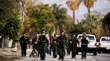 Ved terrorangrebet i USA i december blev 14 mennesker dræbt. FBI forsøger at skaffe sig adgang til en af gerningsmændenes iPhone.
