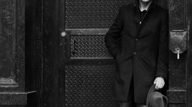 Mads Langer har på sit nye album allieret sig med Sune Wagner. Alligevel når han ikke frem til noget, der kunne give kant til den sukrede musik.