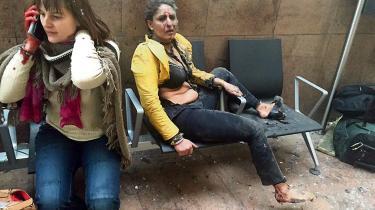 Kritikerne mener, at det er kynisk og et overgreb at fotografere ofrene i sådan en situation. Ketevan Kardava giver svar på tiltale