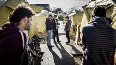 Der bor 200 enlige mænd i teltlejren i Haderslev