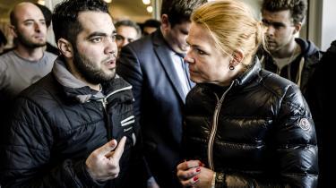 Udlændingeminister Inger Støjberg (V) besøgte torsdag teltlejren i Haderslev for at se på forholdene for asylansøgerne, som er blevet kritiseret af blandt andet Venligboerne. Men ministeren var tilfred med, hvad hun så, selv om hun medgav, at det ikke er sjovt at bo i en asyllejr.