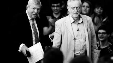 'Der er brug for forandring i Europa. Men denne forandring kan kun komme ved, at vi arbejder sammen med vores allierede i EU,' sagde en noget lunken Jeremy Corbyn i går, da han officielt skød Labours ja-kampagne i gang.
