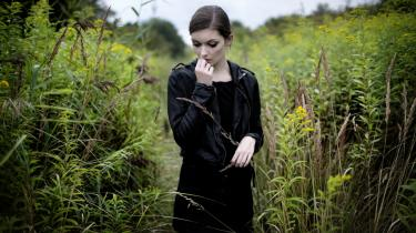 Der er ingen katarsis indbygget i Cecilie Linds nye bog, 'Scarykost', som er en sygdomsskildring om Bulimi.
