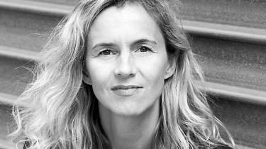 En fransk forfatter har opnået kæmpesucces med en roman, som måske er autofiktion, men helt sikkert diskuterer forfatterens overvejelser over virkelighed og fiktion, og som samtidig er en thriller